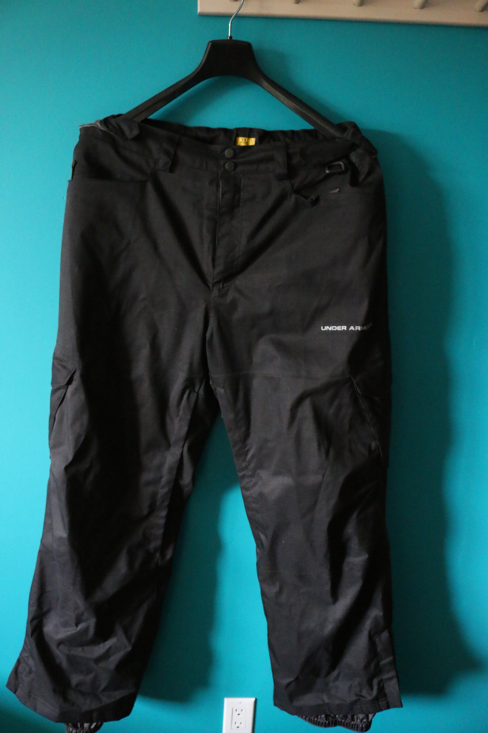 Under Armour XL Snow Pants