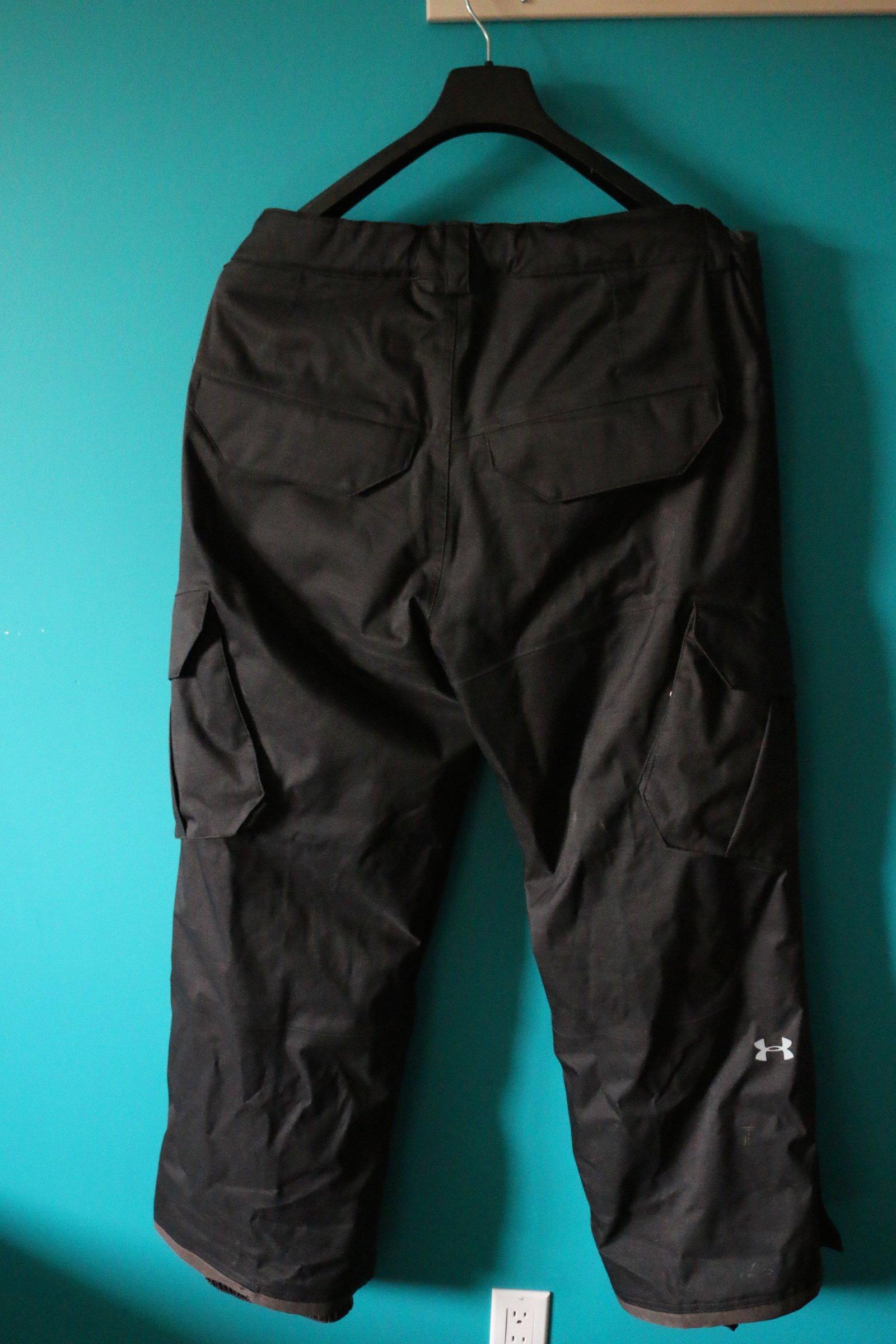 Under Armour XL Snow Pants (Back)