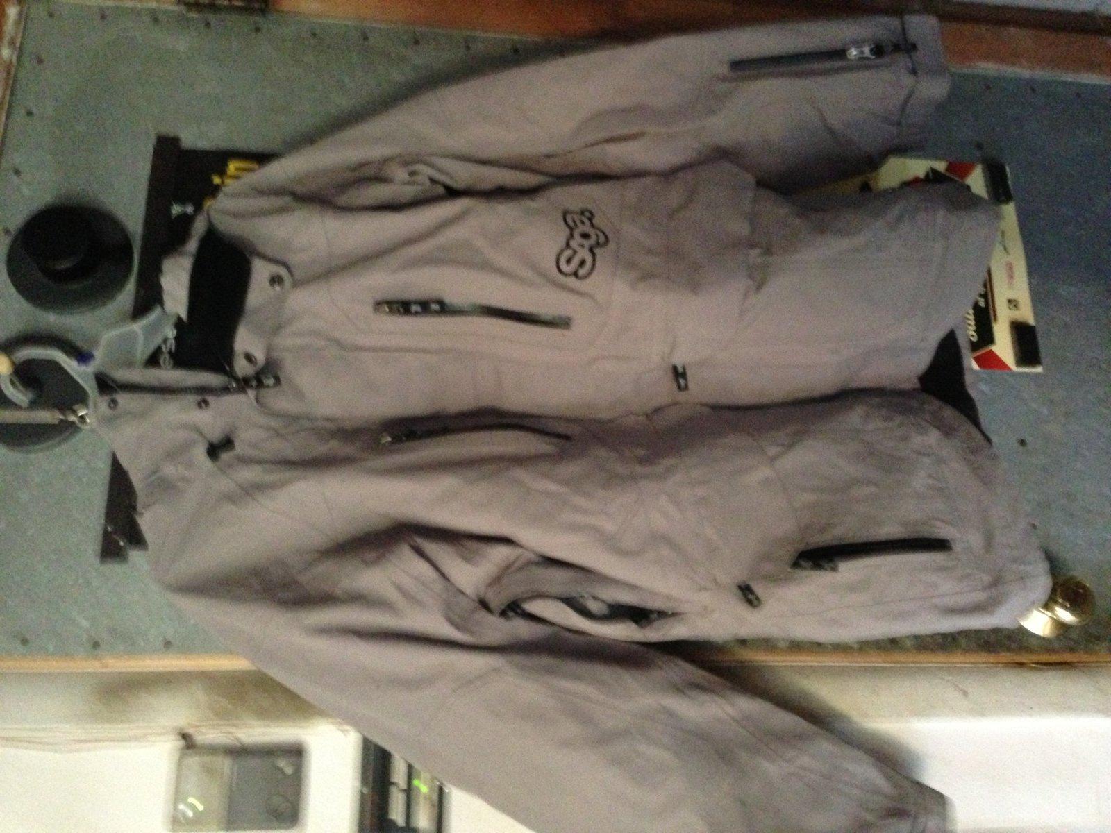 saga jacket large