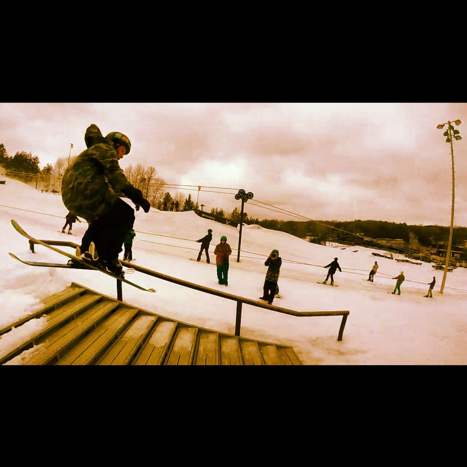 Skiing at Cannonsburg
