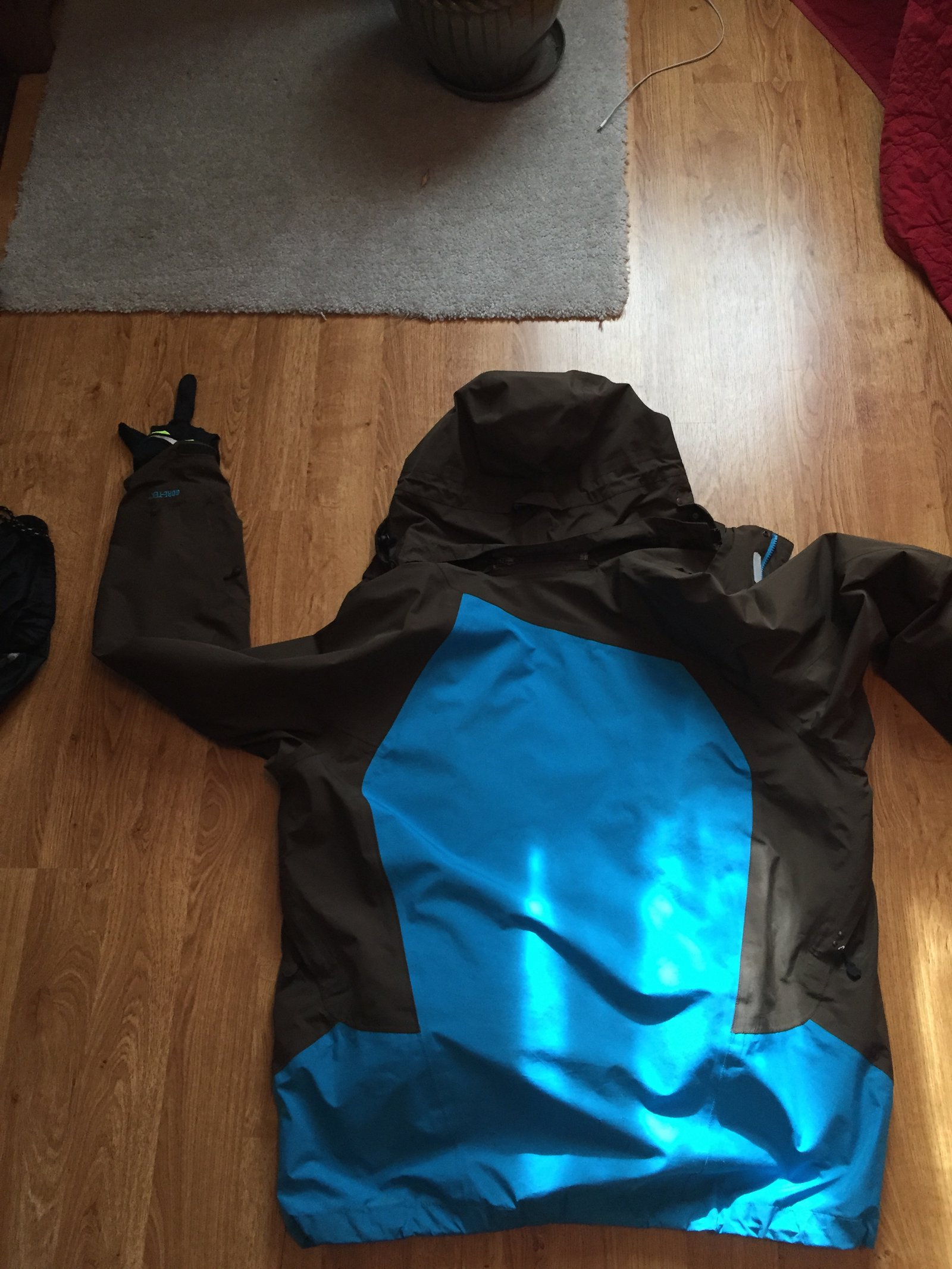 FS: Spyder Coat, XL, back view