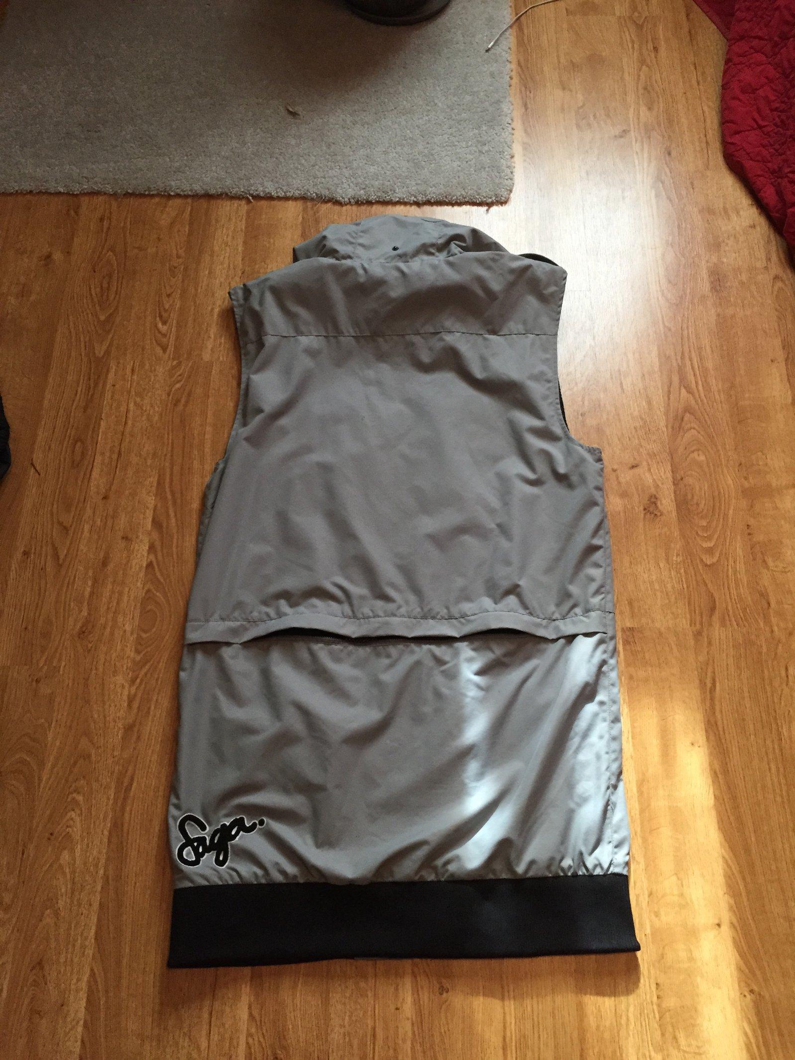 FS: Saga Vest, XL, back view