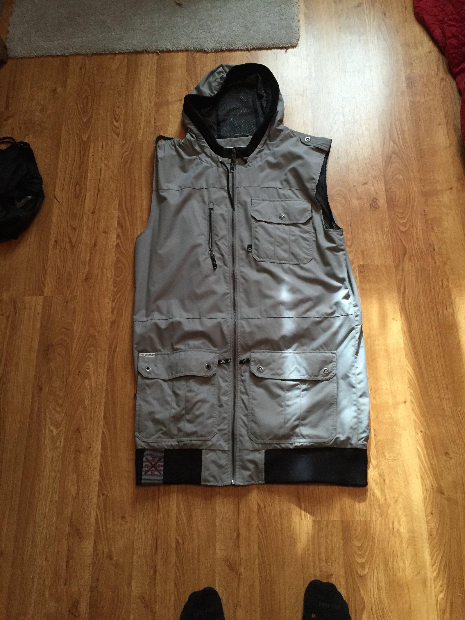 FS: Saga Vest, XL, front view