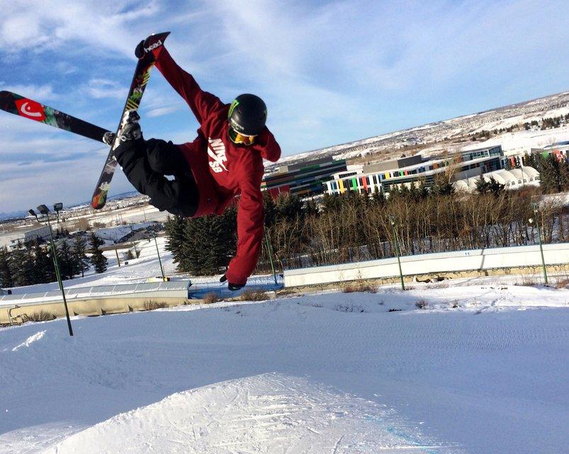 Evan McEachran signs with HEAD Skis