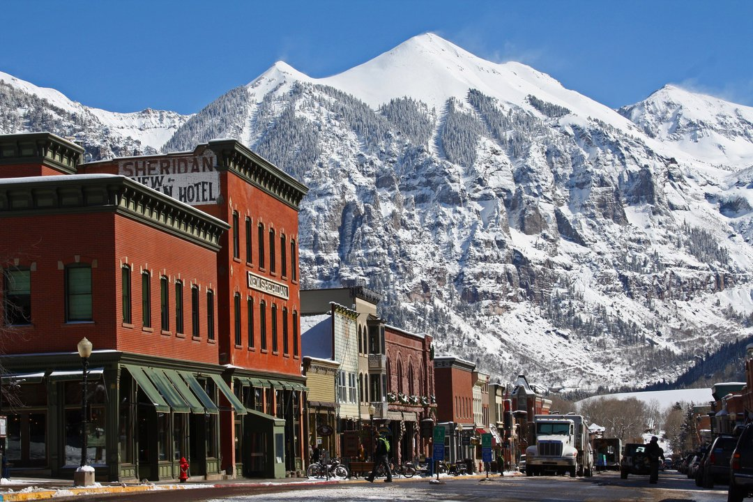 Why You Should Move To A Ski Town For At Least One Year
