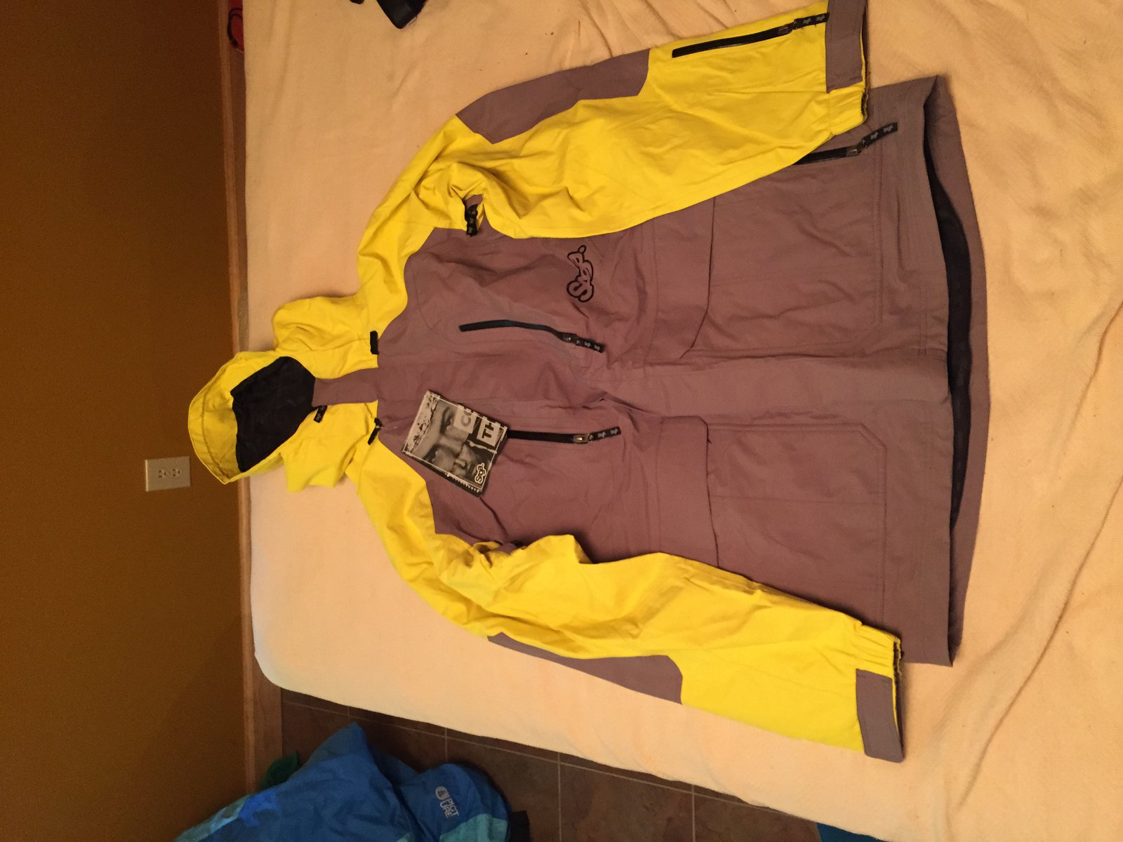 XL Saga Jacket from 11/12 BNWT