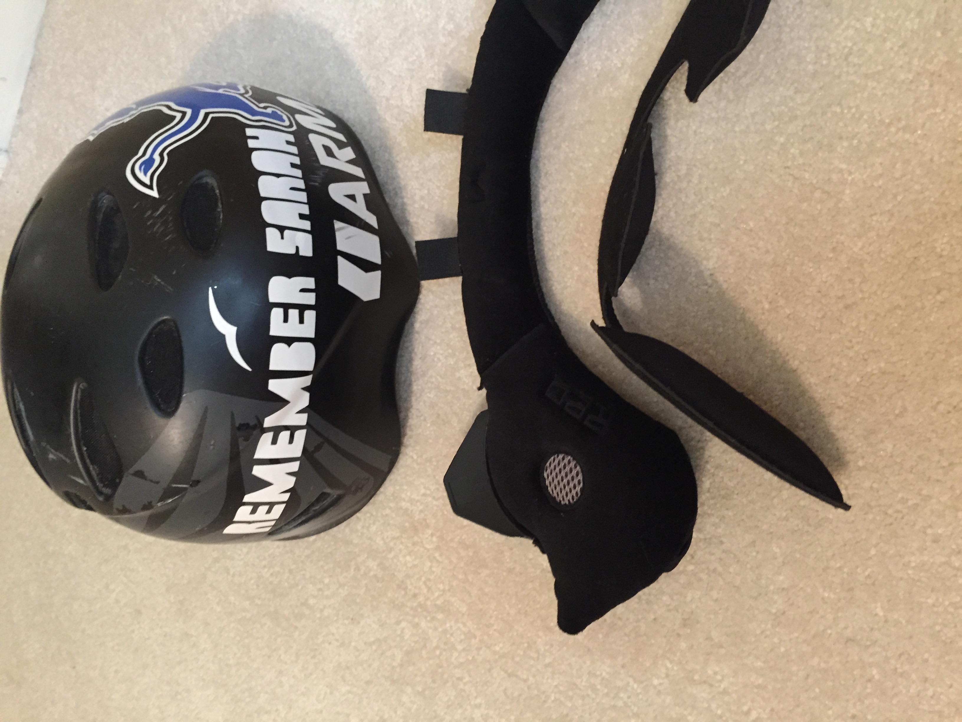 helmet left