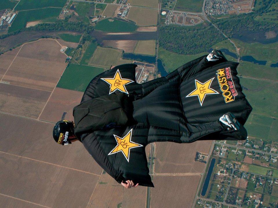 Erik Roner Passes Away in Skydiving Accident