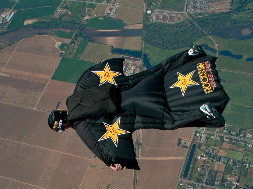 Erik Roner Passes Away in Skydiving Accident