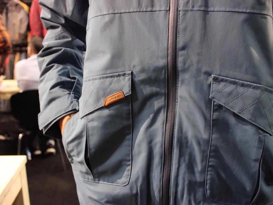 SIA: Dakine Outerwear 2016-17