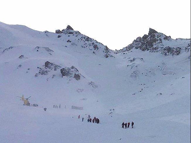Avalanche Kills 5 In Austria