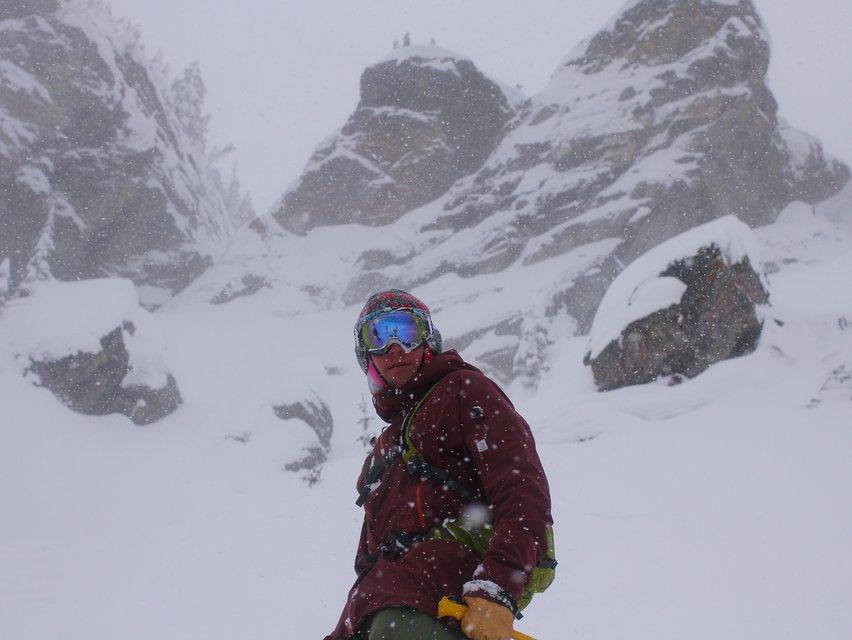 SENA - SNOWTALK Review