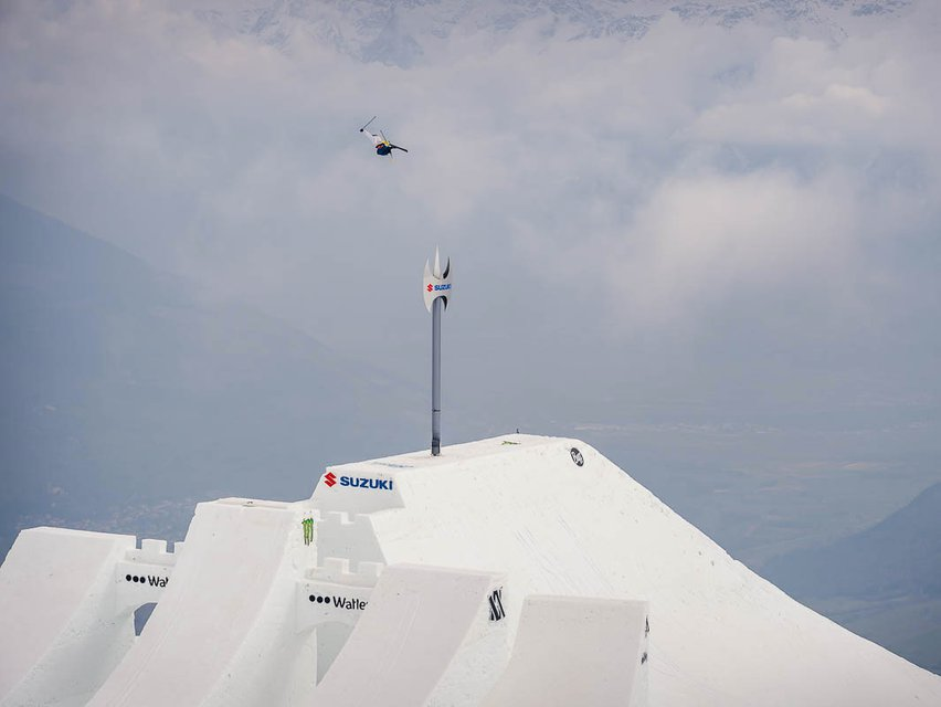 David Wise Sets New World Record at Suzuki Nine Knights 2016