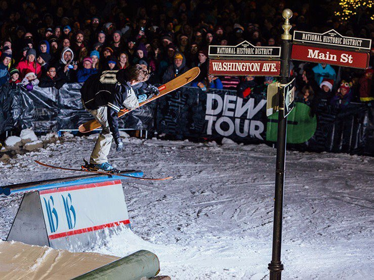 Streetstyle In, Halfpipe Out At Dew Tour