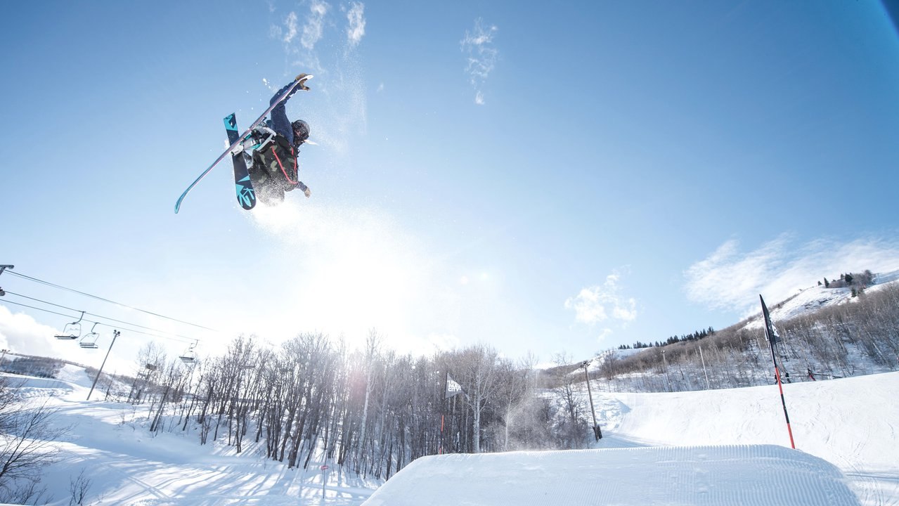 The Powder Room: Taylor Lundquist