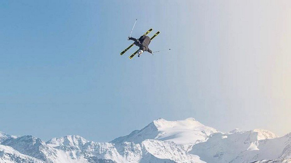 Jon Olsson Throws 3 Dubs On Only His 2nd Day Skiing Park This Winter