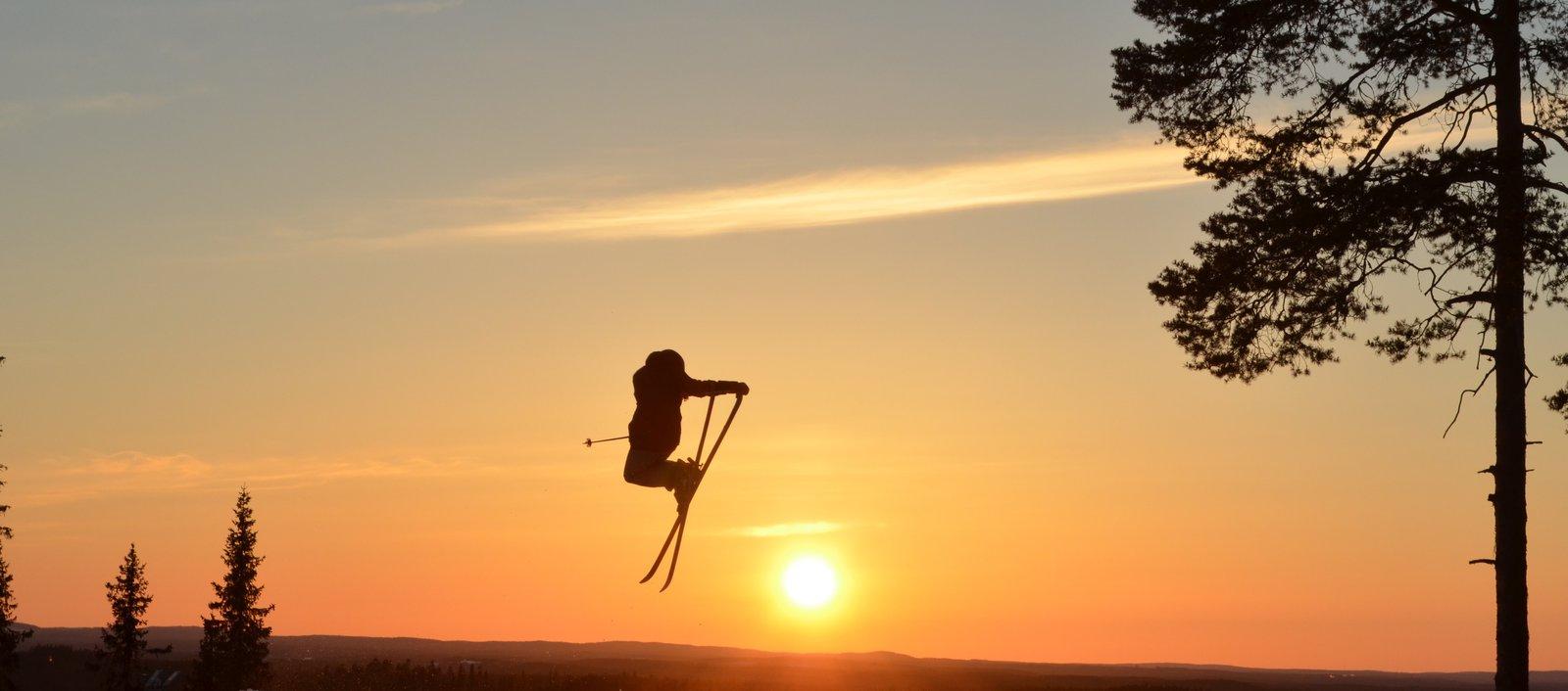 Sunset tail grab
