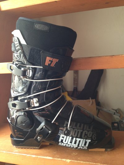 I Have A Pair Of Brand New First Chair 6 Full Tilt Boots Size 27 5 These Are The 2018 Model Not Available In S Yet 400 Or Make Me An Offer
