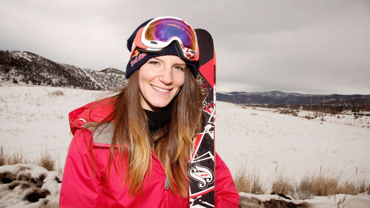 Kaya Turski Announces Retirement