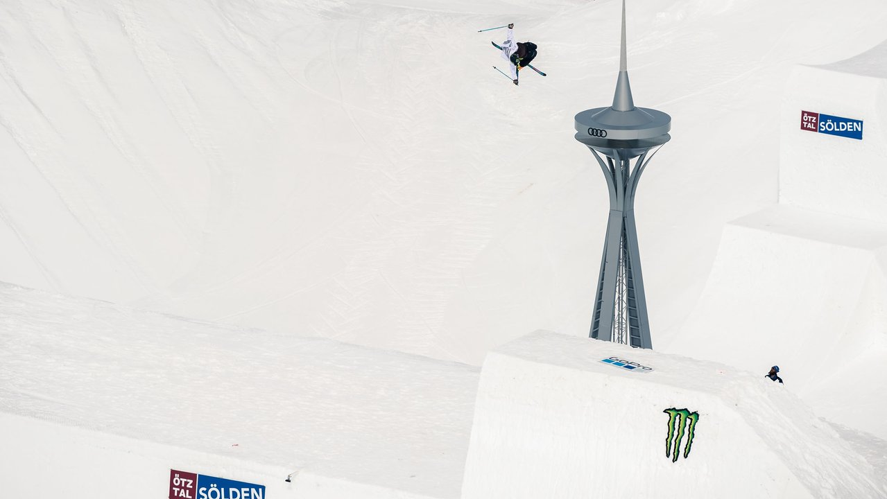 David Wise Breaks Highest Quarterpipe Air World Record