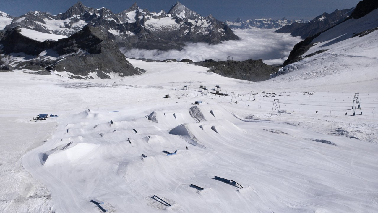 Zermatt Snowpark Summer Setup / Opening