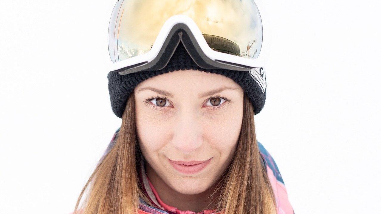 Dutch Halfpipe Skier Isabelle Hanssen