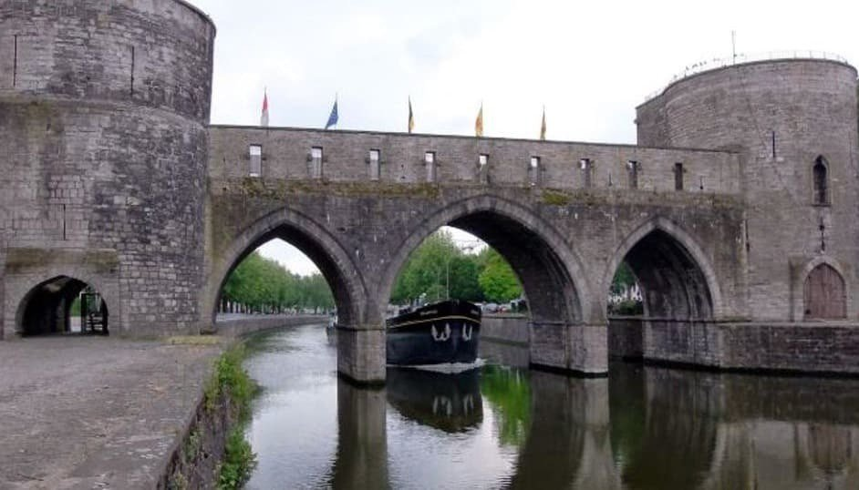 Medieval bridge shot down in Tournai - Belgium