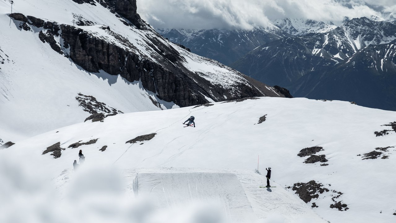 Crans-Montana Spring Sessions: Slushy Park Laps Return