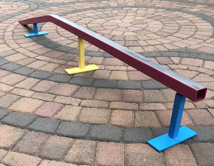 Ski and snowboard rails