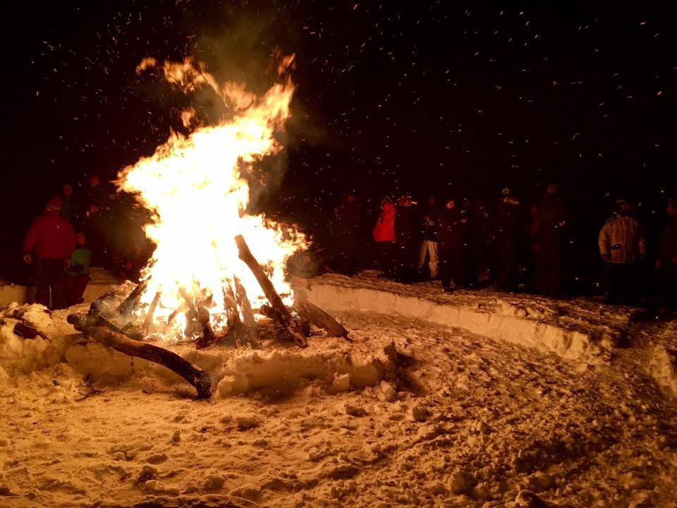 New Yrs Bonfire